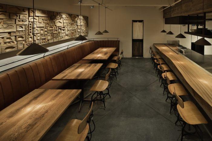 Thiết kế nhà hàng phong cách Nhật với các đồ nội thất được bài trí đơn giản