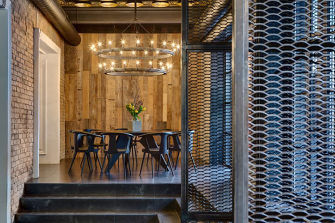 Phong cách cổ điển Rustic là sự kết hợp giữa yếu tố hiện đại và kiến trúc 2