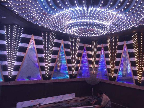 Thi công karaoke `13