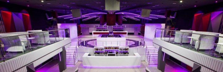 thiết kế bàn ghế bar club ấn tượng 9